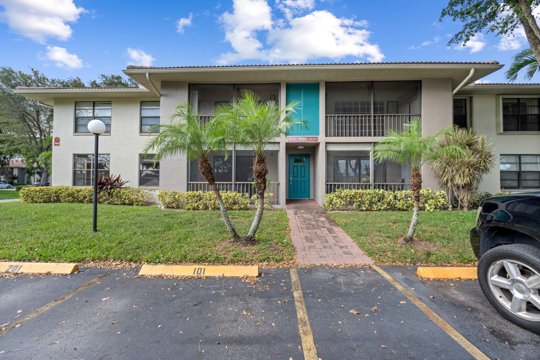 9960 Pineapple Tree Drive 203  Boynton Beach FL 33436