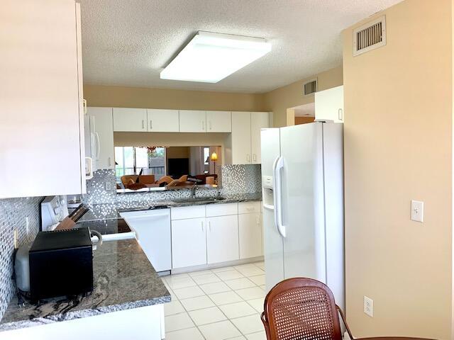 4735 Lucerne Lakes Boulevard 409 Lake Worth, FL 33467 photo 6