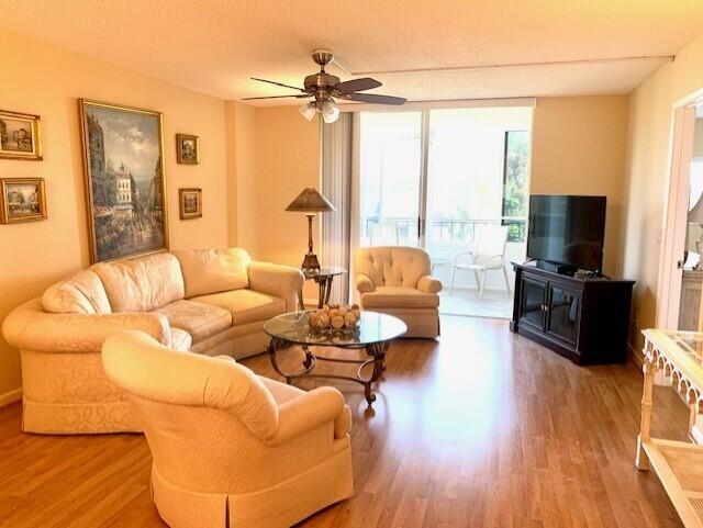 4735 Lucerne Lakes Boulevard 409 Lake Worth, FL 33467 photo 20