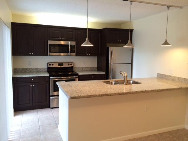 866  Blue Ridge Circle  For Sale 10742596, FL