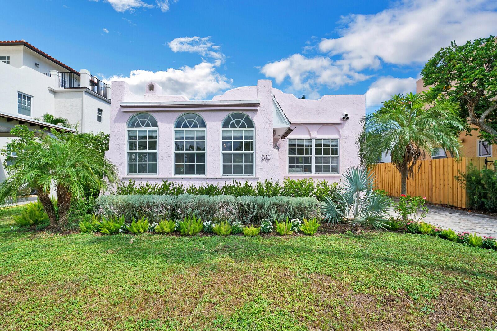 313  Nottingham Boulevard  For Sale 10742653, FL