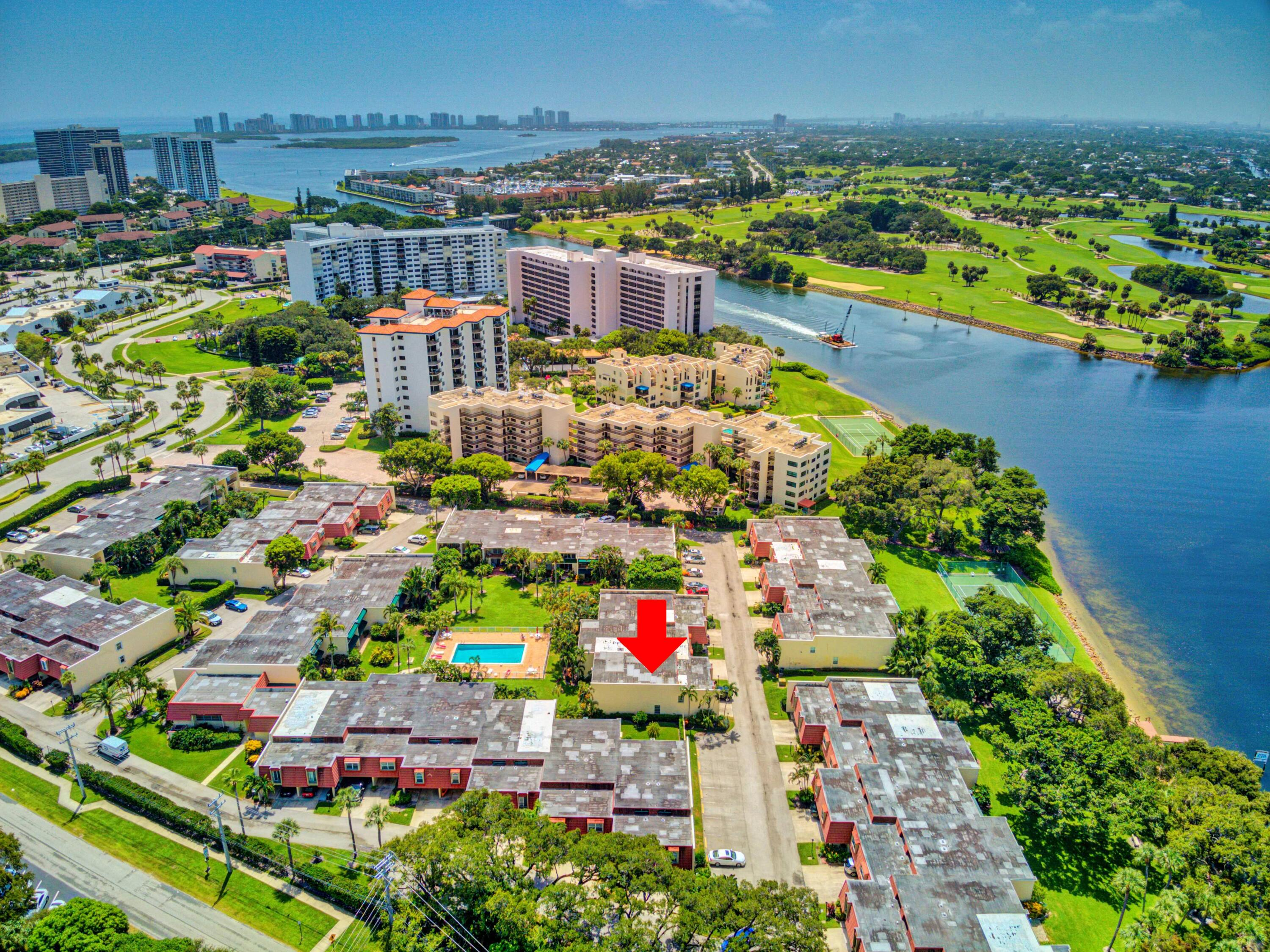 394 Golfview Road, #F, North Palm Beach