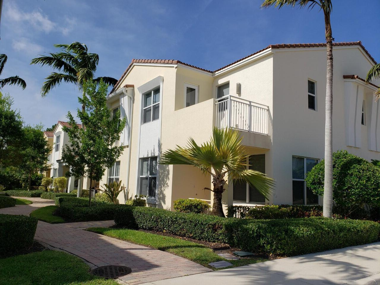 5011 NW 15th Ter Terrace  For Sale 10742709, FL