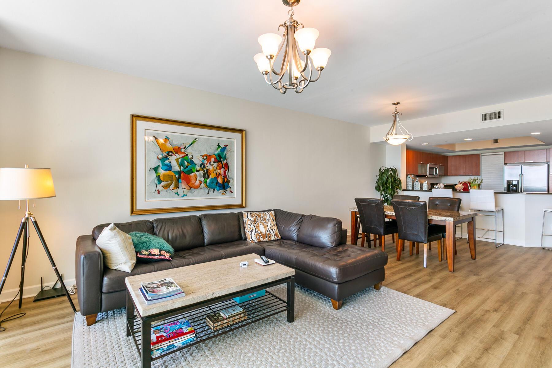 MG 2409 - Living Room