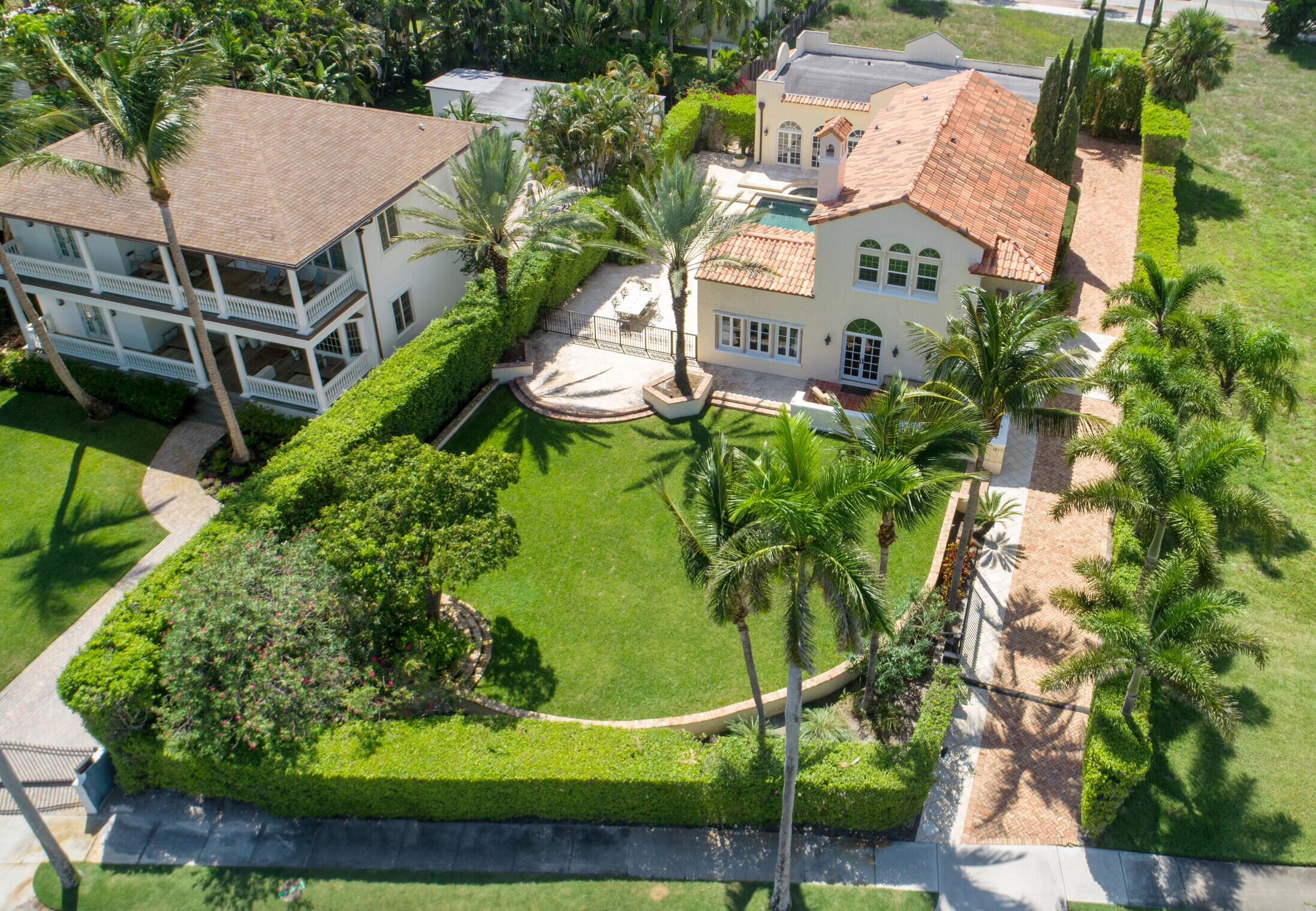 1217 N Flagler Drive West Palm Beach, FL 33401 photo 2