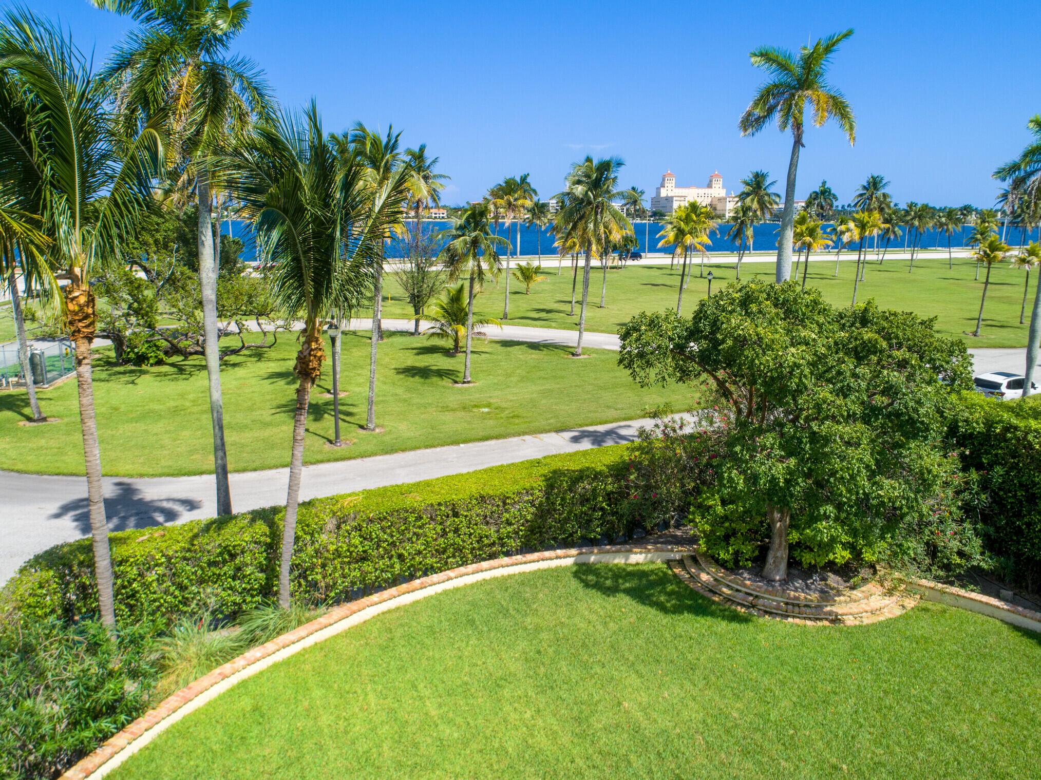 1217 N Flagler Drive West Palm Beach, FL 33401 photo 4