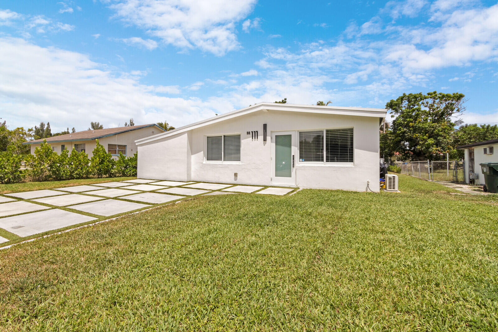 111  Glouchester Street  For Sale 10743088, FL