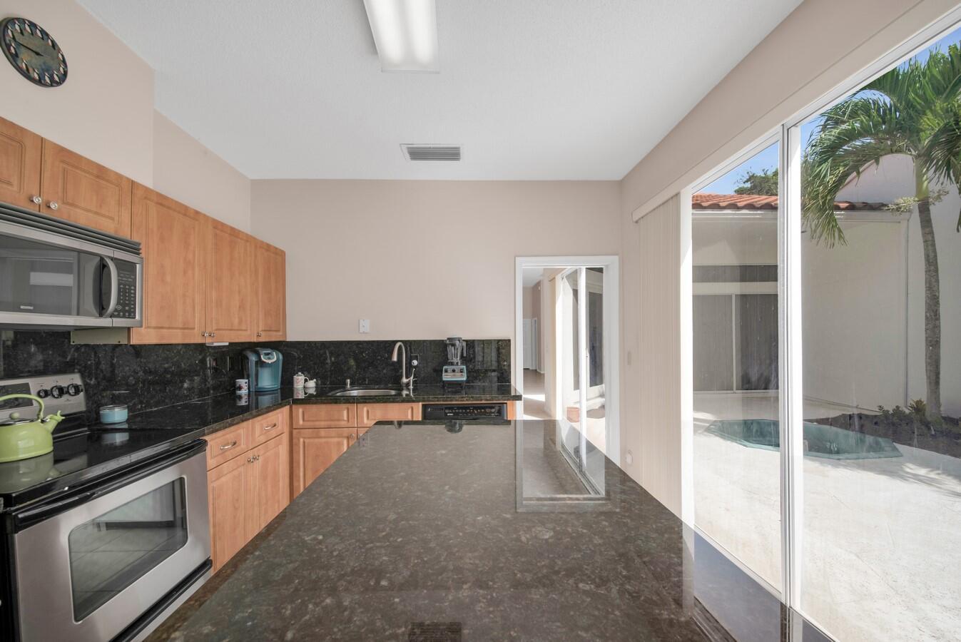 17609 Candlewood Terrace Boca Raton, FL 33487 photo 13