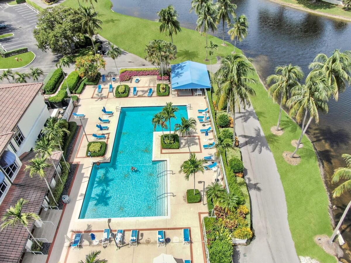17609 Candlewood Terrace Boca Raton, FL 33487 photo 22