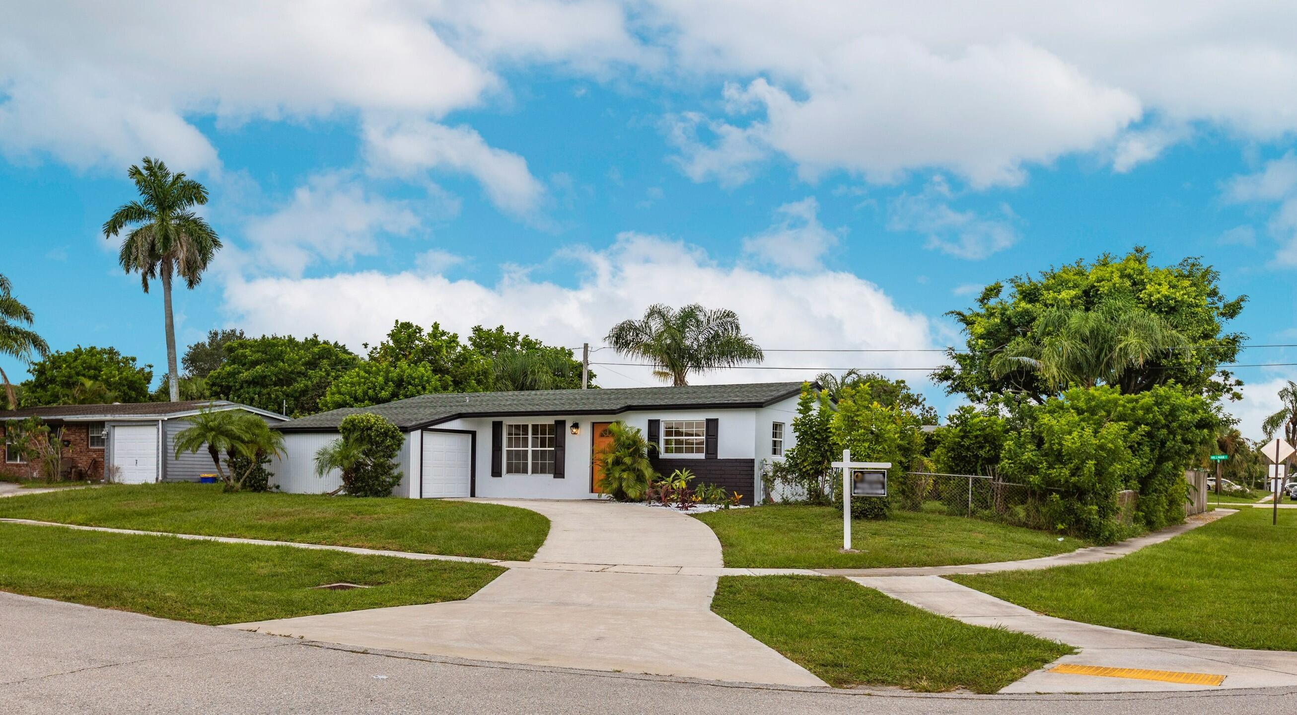 Home for sale in PALM BEACH CABANA COLONY Palm Beach Gardens Florida