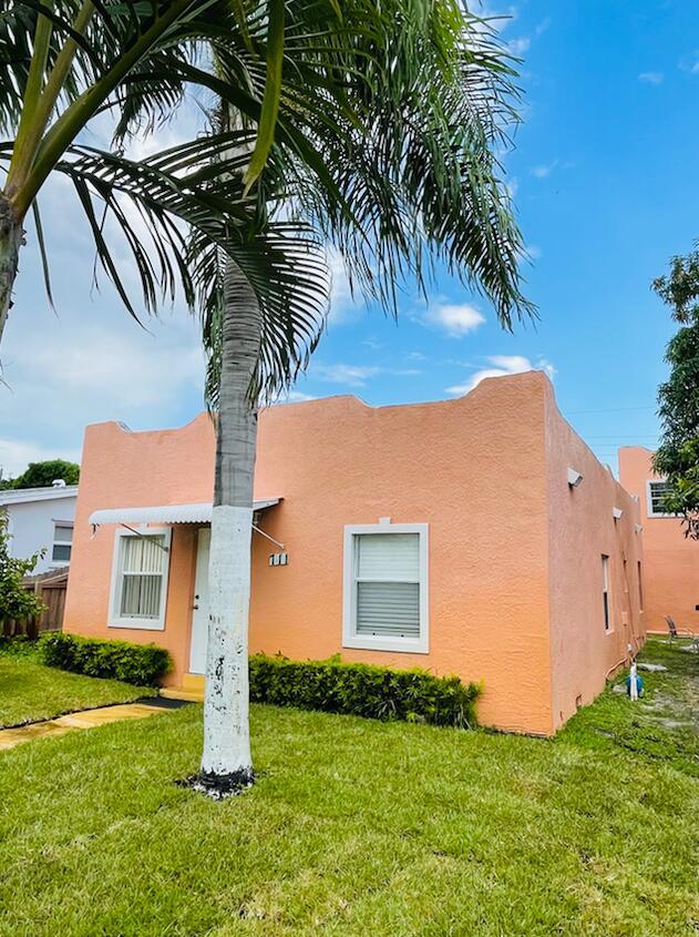 711 Green Street  West Palm Beach, FL 33405
