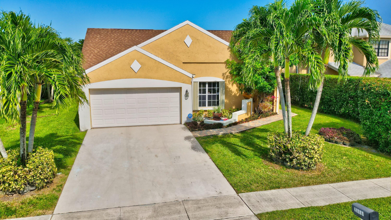23090  Floralwood Lane  For Sale 10743673, FL
