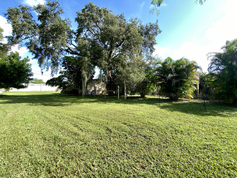 7157 S Military Trail Lake Worth, FL 33463 photo 4