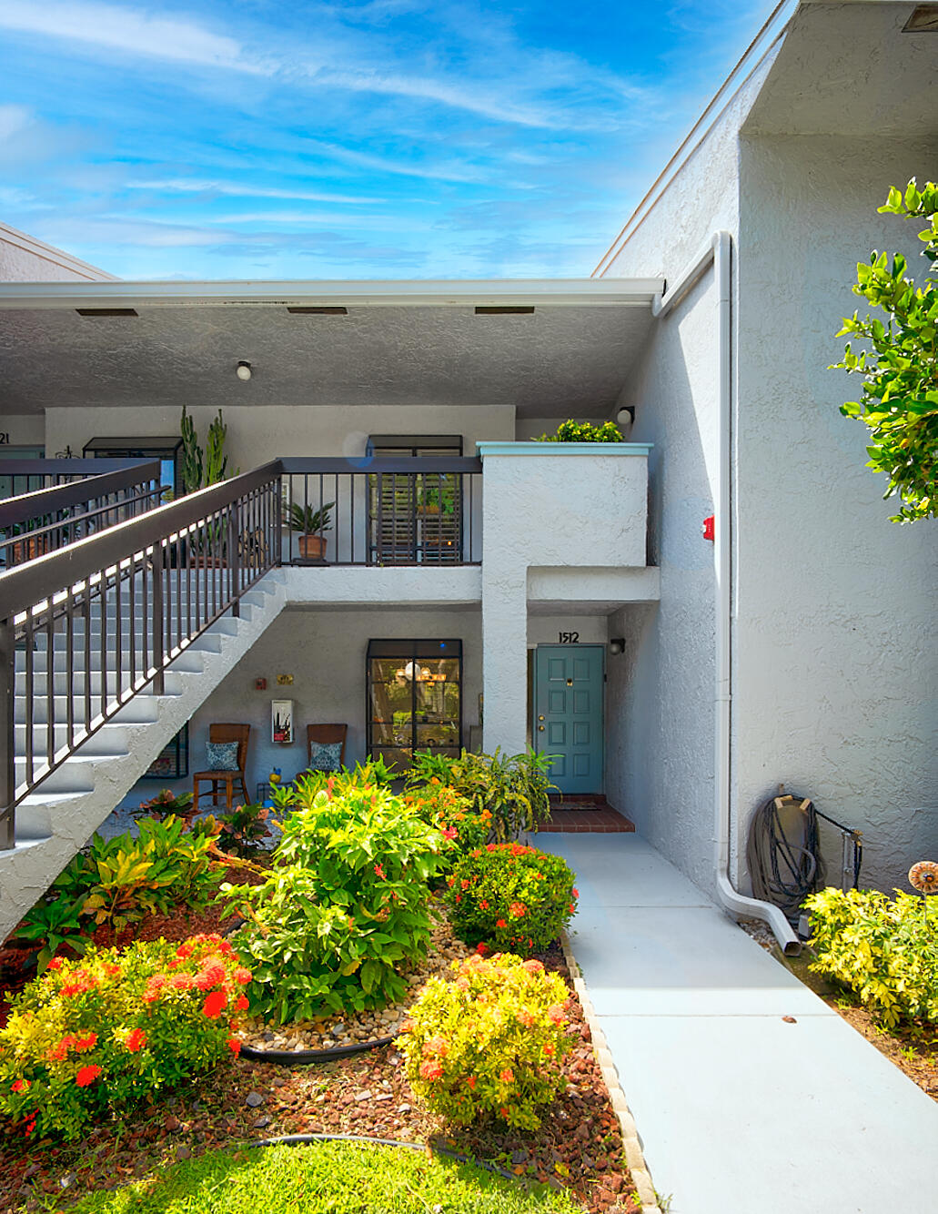 5054  Golfview Court 1512 For Sale 10743932, FL
