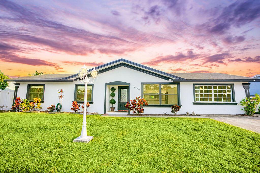 3626  Victoria Drive  For Sale 10743467, FL