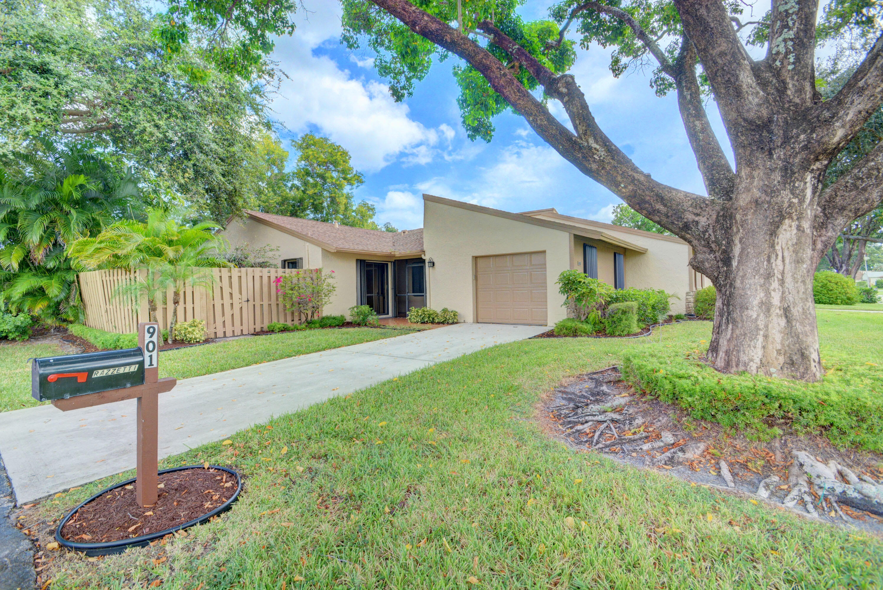 901 NW 26th Avenue  For Sale 10743764, FL