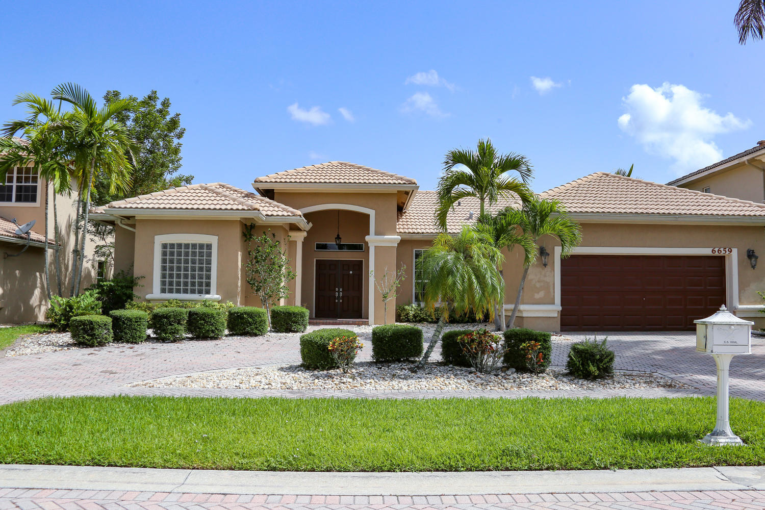 6659  Conch Court  For Sale 10743615, FL
