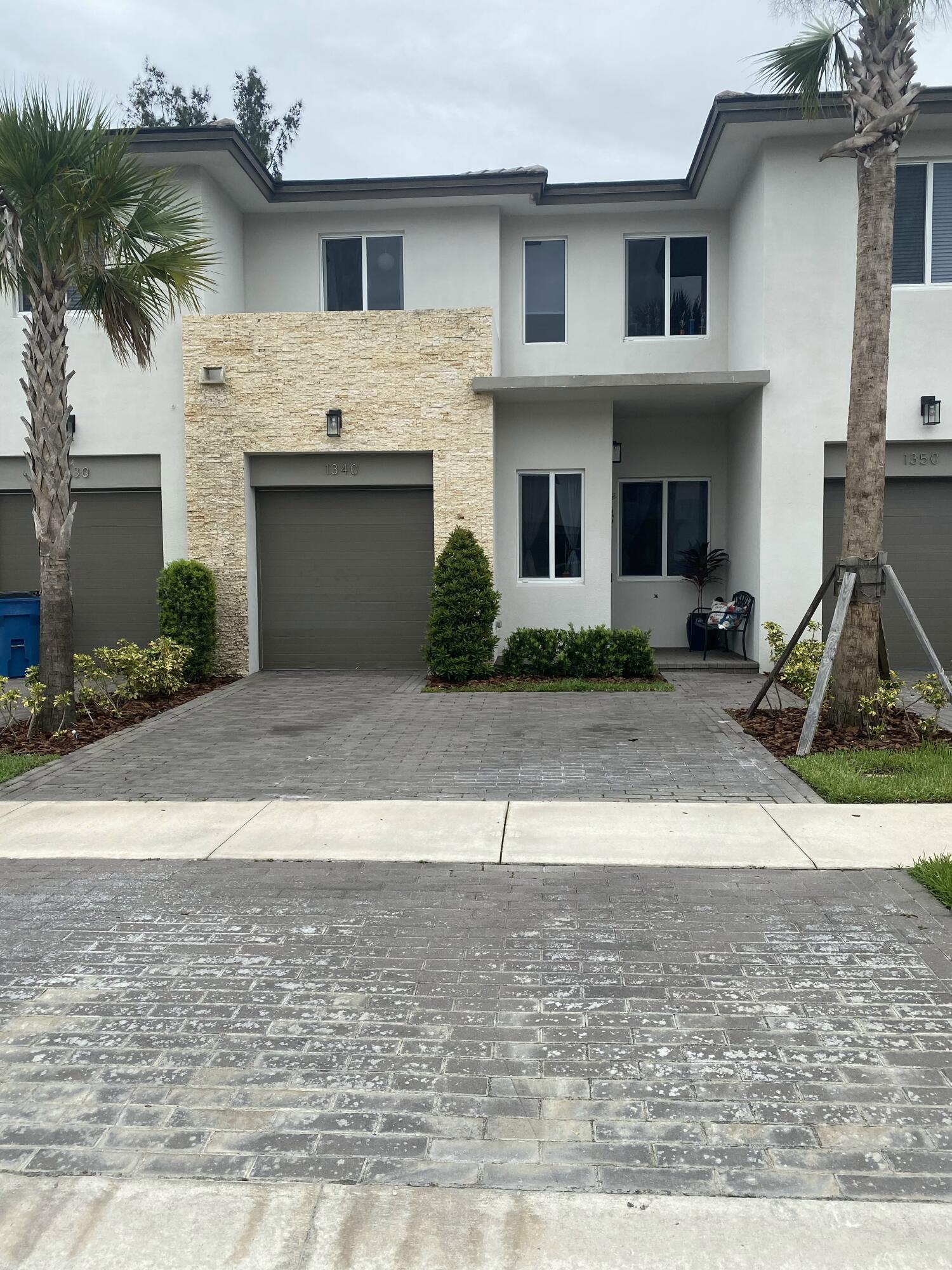 1340 Pioneer Way Royal Palm Beach FL 33411