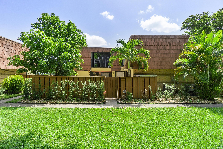 121  Buttonwood Lane  For Sale 10743710, FL