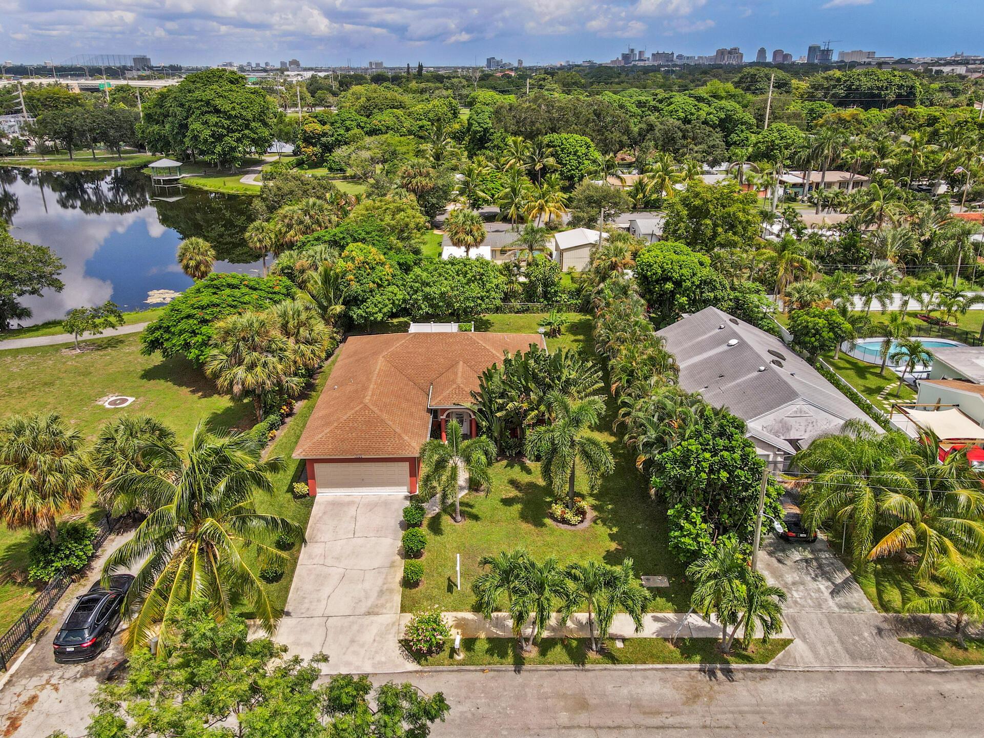 1045 Francis Street West Palm Beach, FL 33405 photo 2