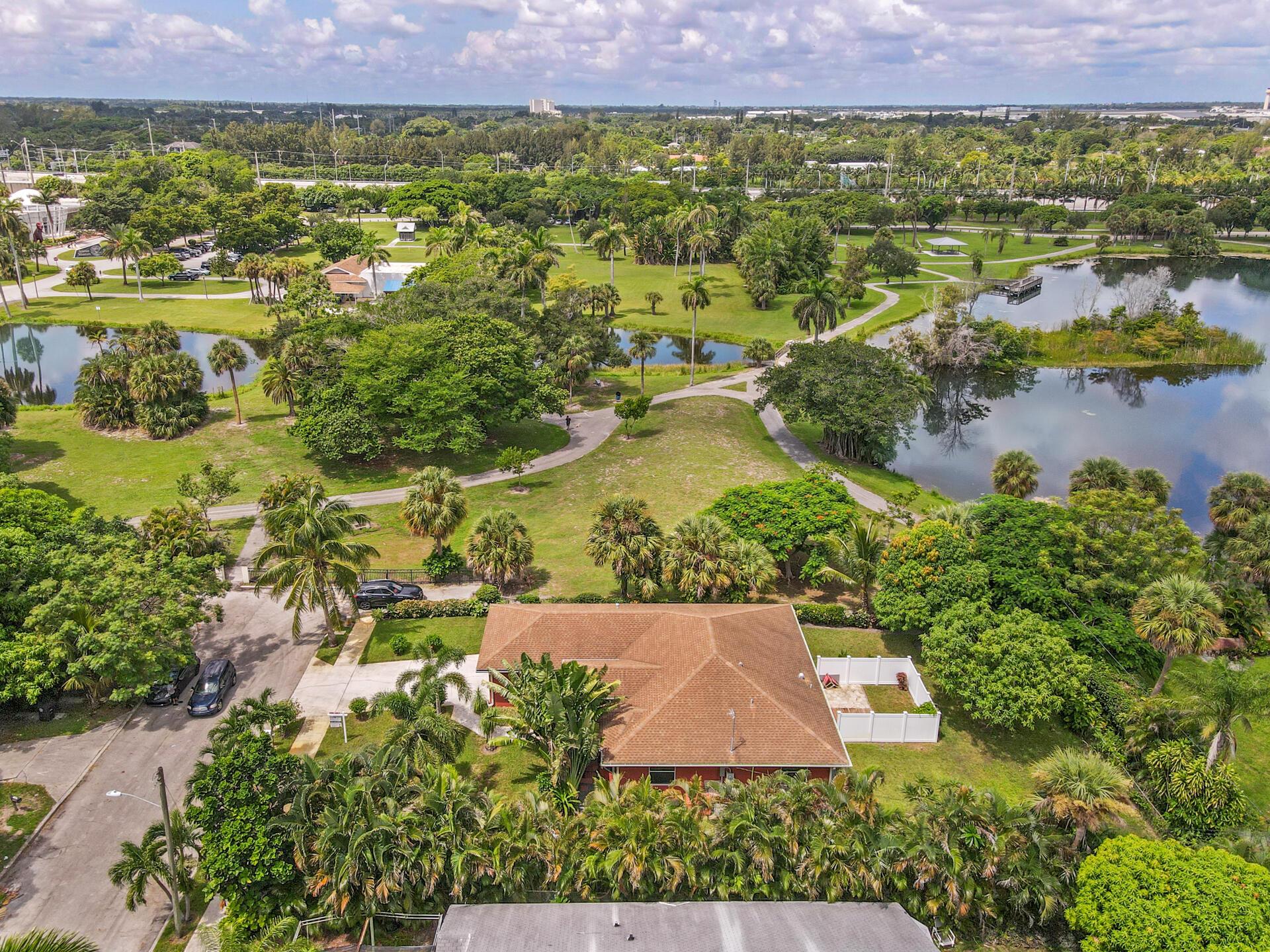 1045 Francis Street West Palm Beach, FL 33405 photo 3