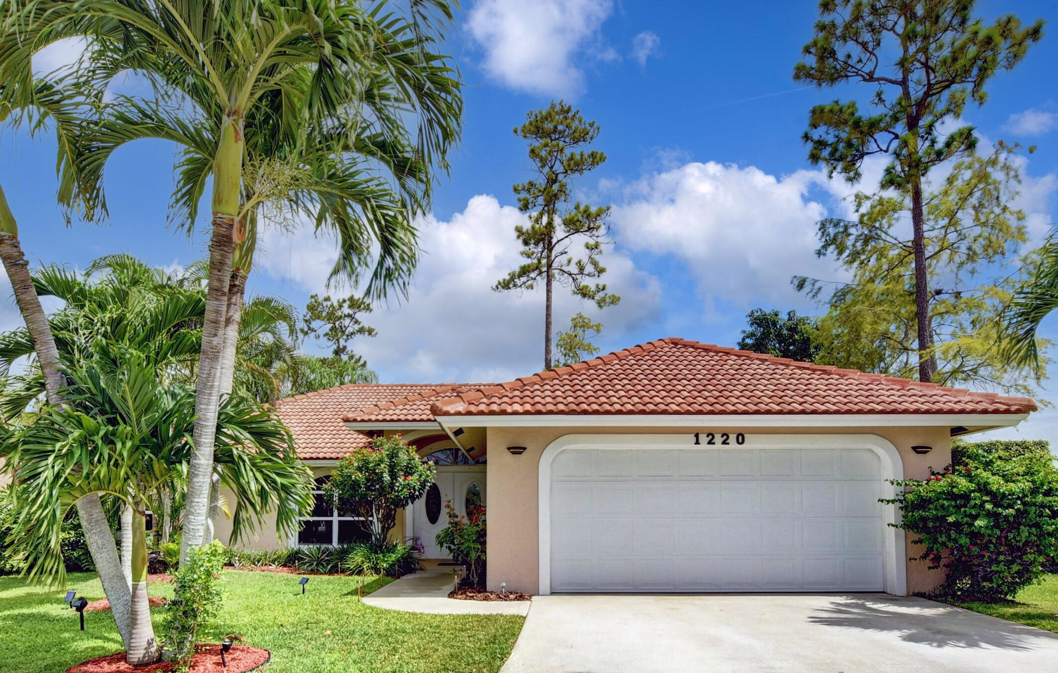 1220  Snowbell Place  For Sale 10744627, FL