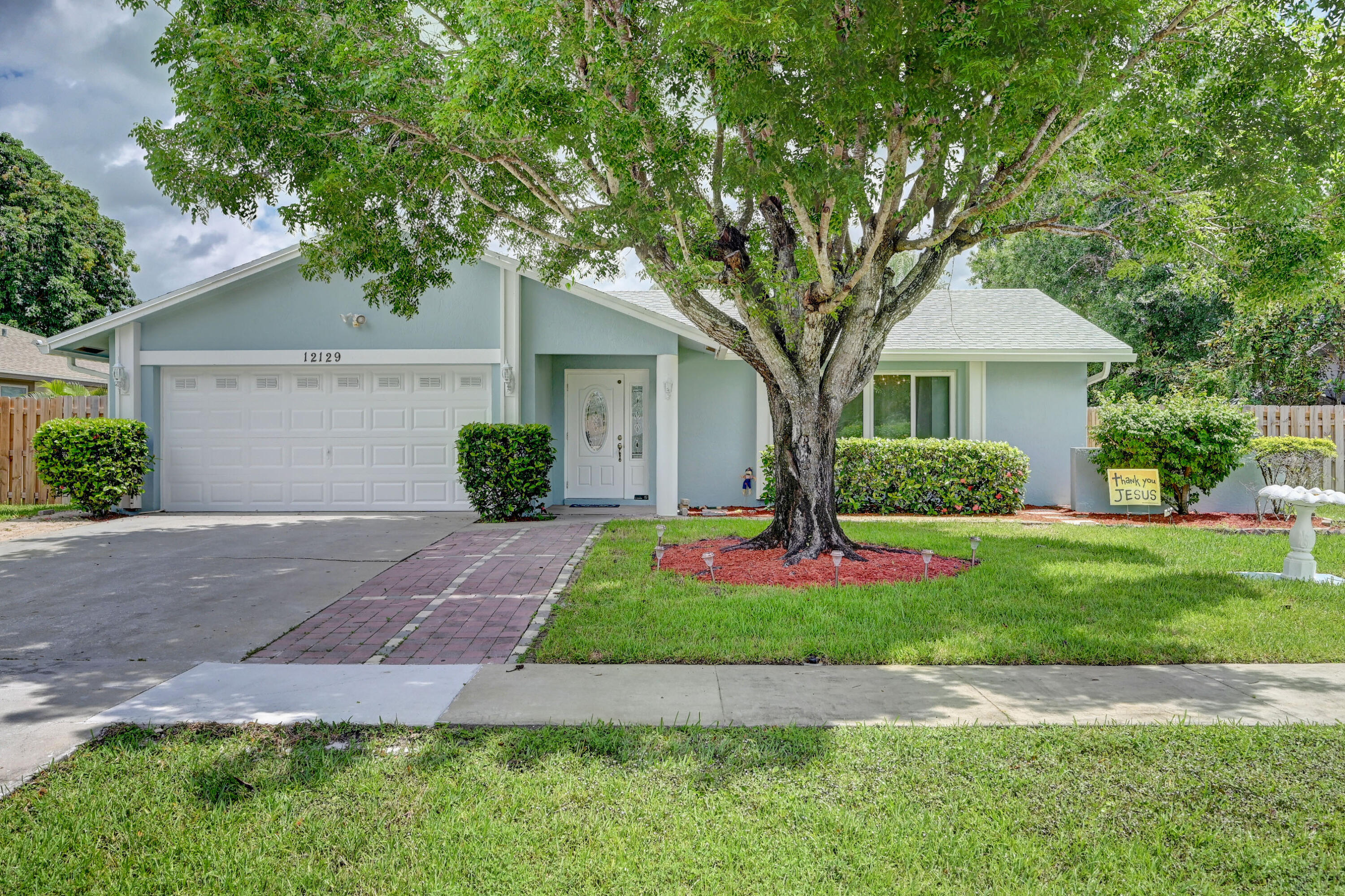 Home for sale in SOUTH SHORE NO 4 OF WELLINGTON Wellington Florida