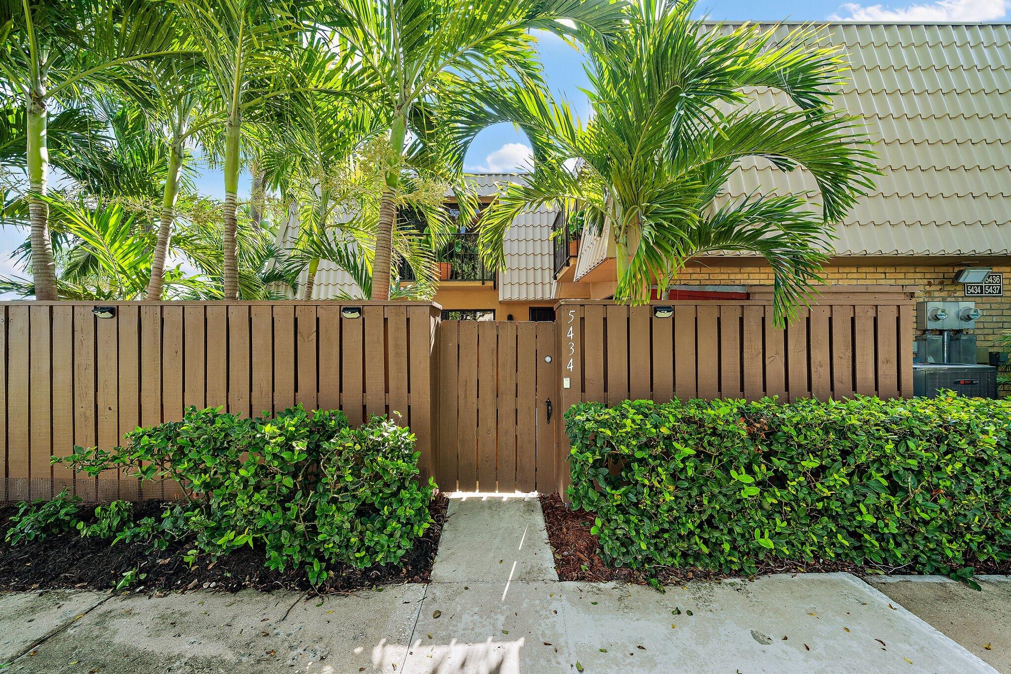 5434  54th Way  For Sale 10743944, FL