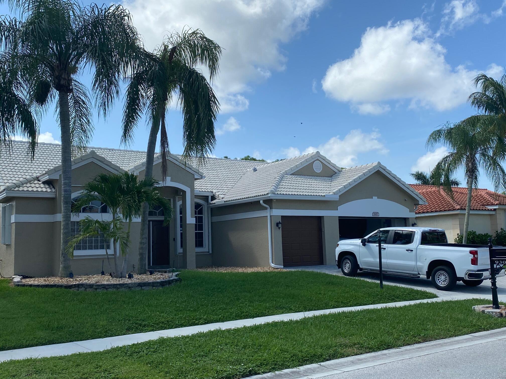 9307  Lake Serena Drive  For Sale 10743879, FL