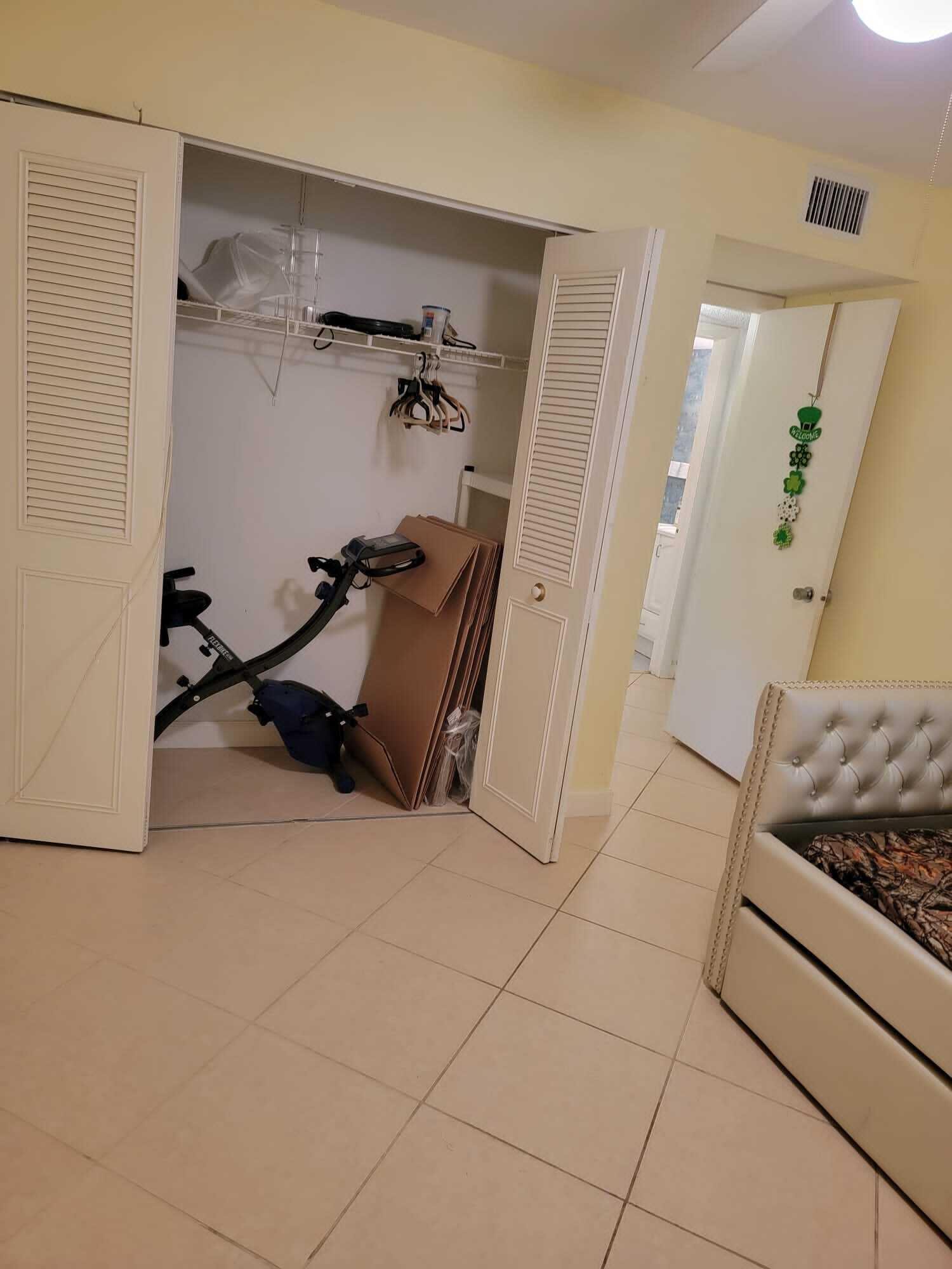 23 Golfs Edge A West Palm Beach, FL 33417 photo 6