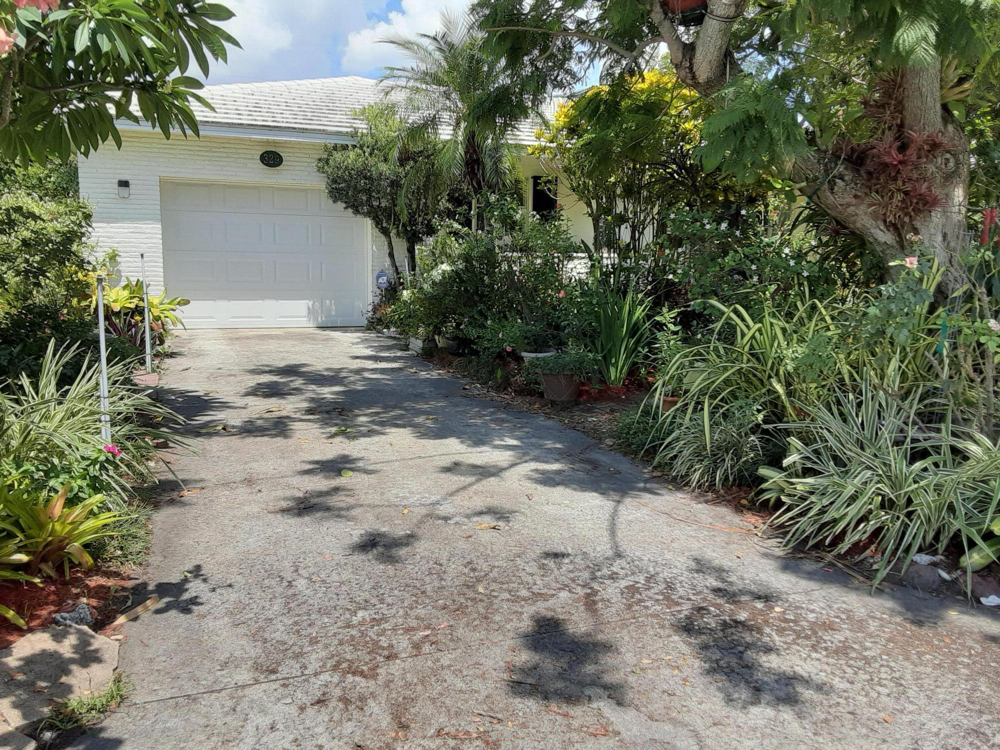 329  Alhambra Place  For Sale 10743898, FL