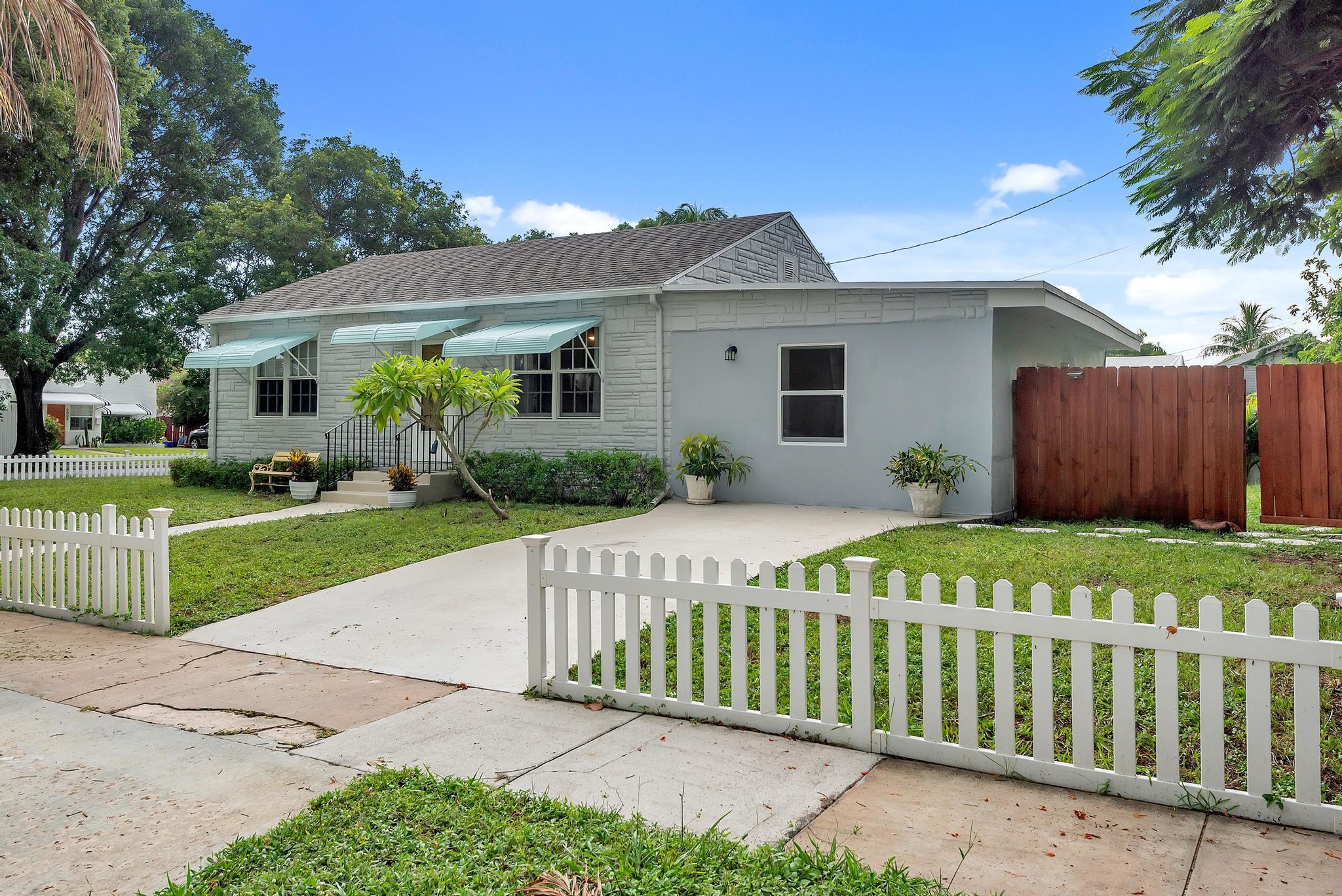702  Palmetto Street  For Sale 10743949, FL