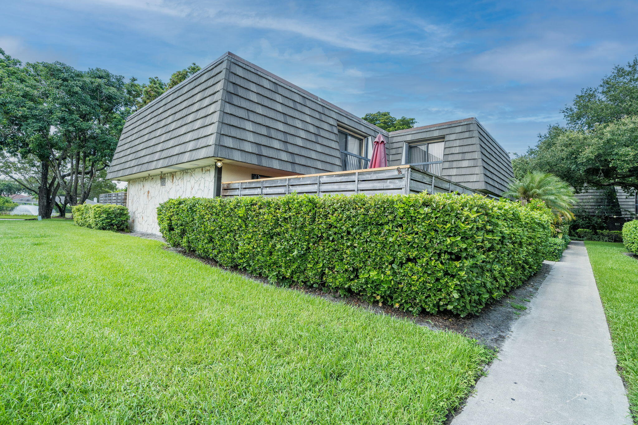 526 5th Terrace Palm Beach Gardens, FL 33418