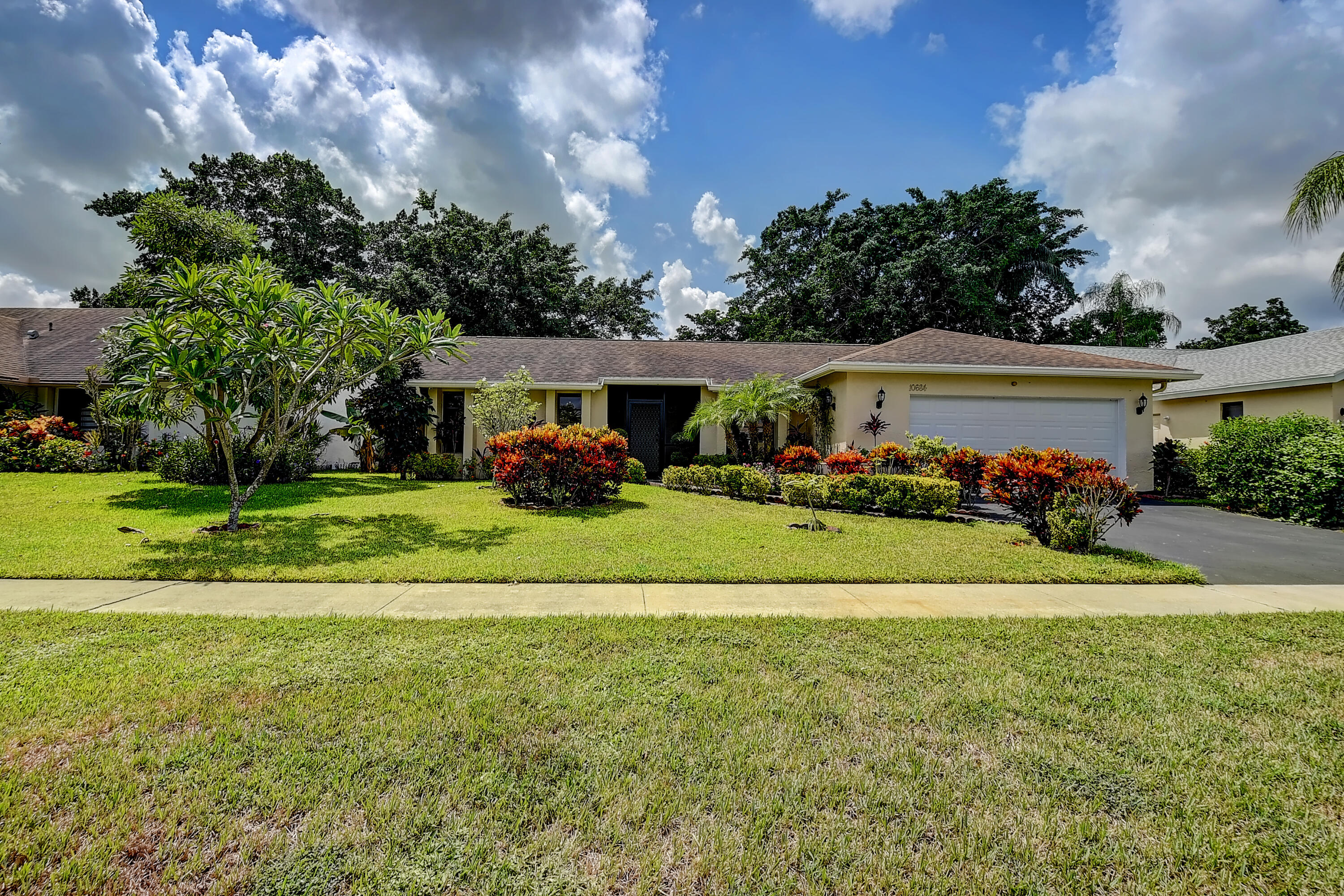 10684  180th Place  For Sale 10744394, FL