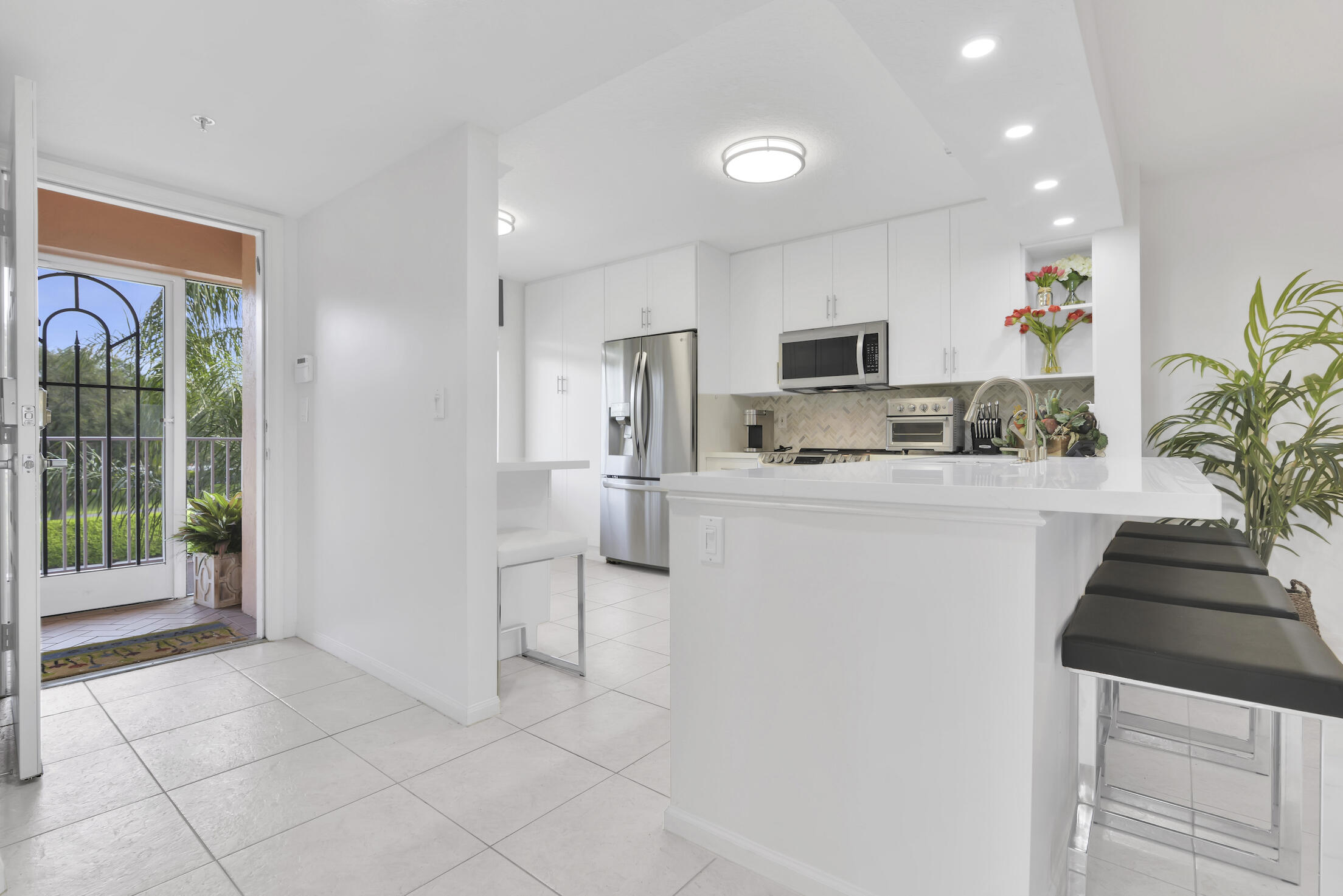 5810  Chrystal Shores Drive  307 For Sale 10744484, FL