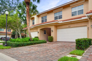 5103 Artesa Way W, Palm Beach Gardens, FL 33418