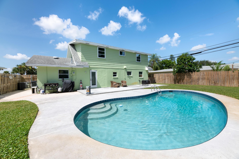 674 Crocus Court Palm Beach Gardens, FL 33410 photo 1