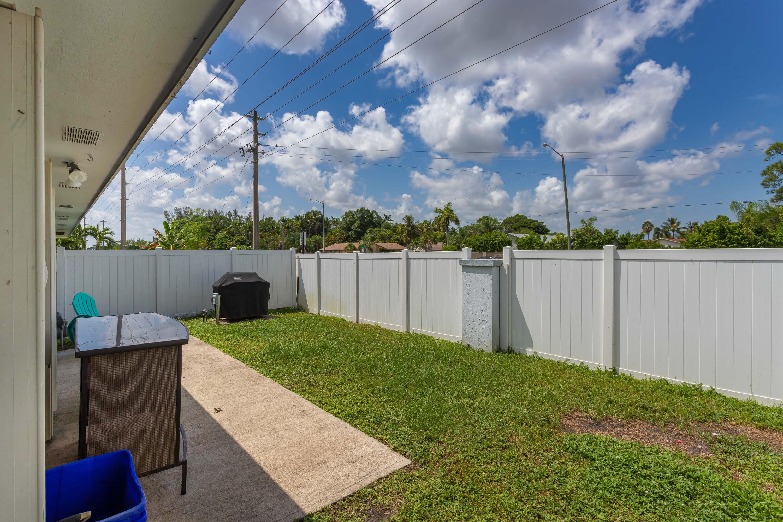 4386 Walden Circle Lake Worth, FL 33463 photo 32