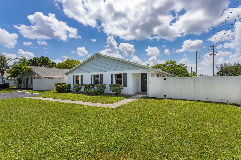 4386 Walden Circle Lake Worth, FL 33463 photo 1