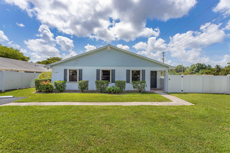 4386 Walden Circle Lake Worth, FL 33463 photo 4