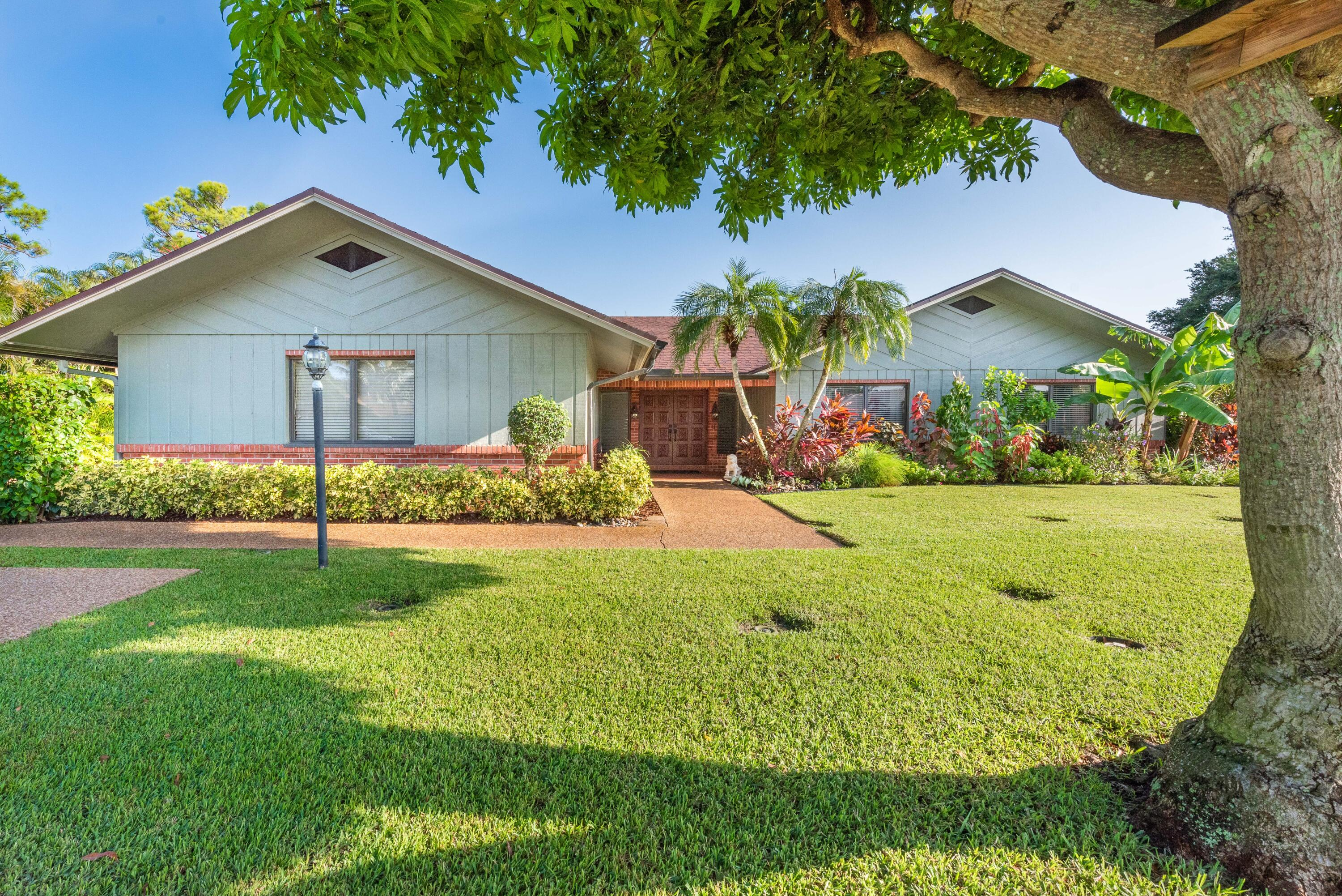 3519  Lakeview Drive  For Sale 10744783, FL