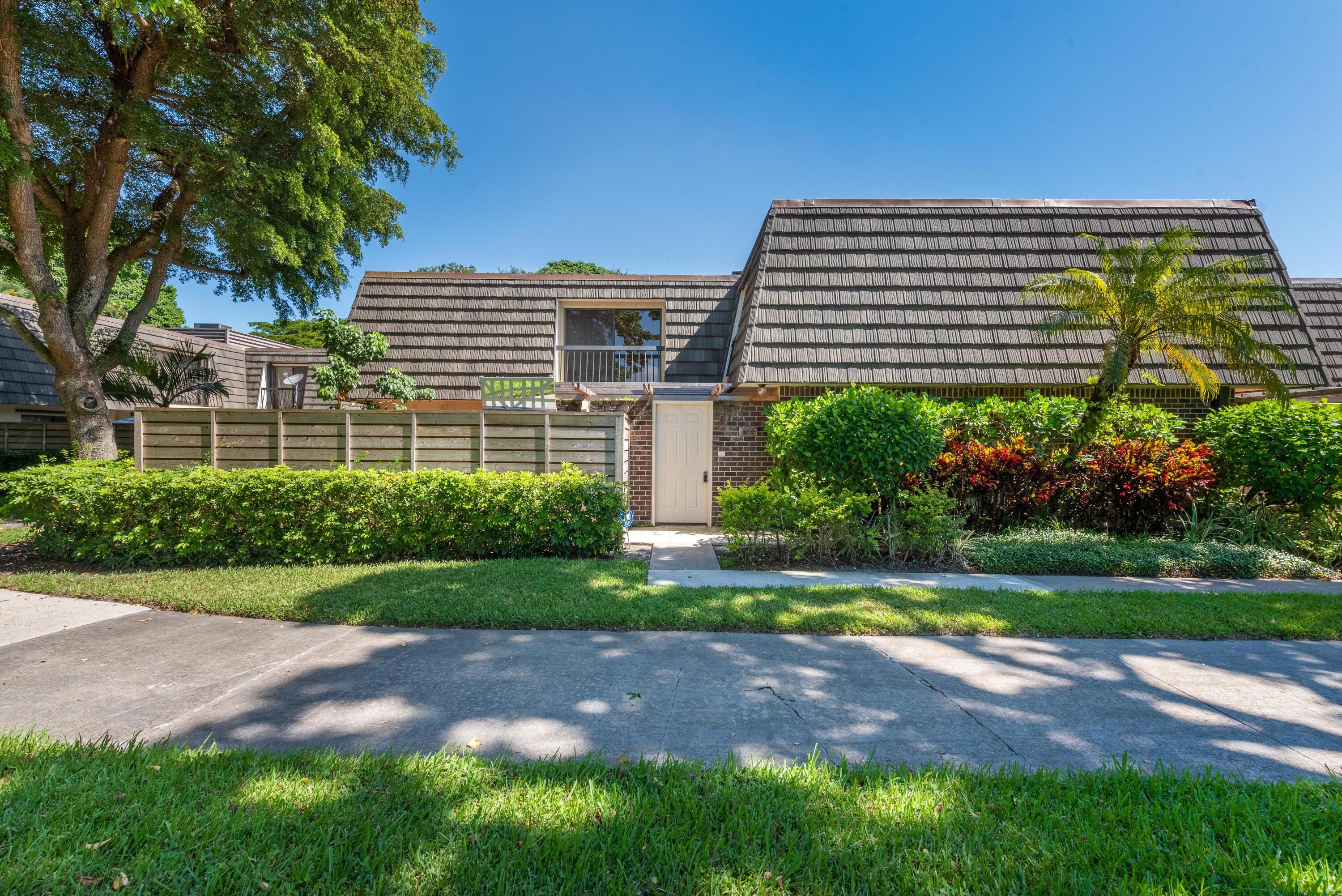 524  5th Terrace  For Sale 10744116, FL