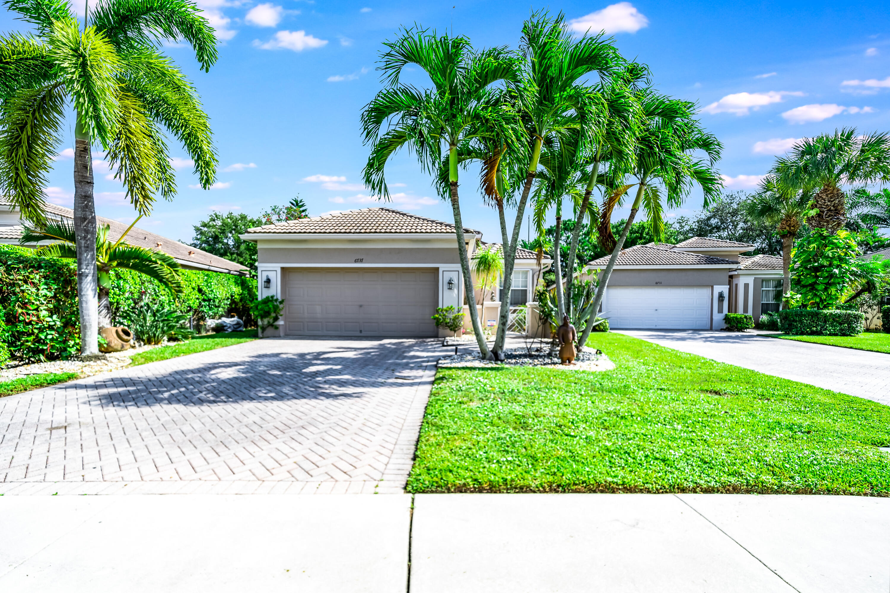 6737  Southport Drive  For Sale 10744886, FL