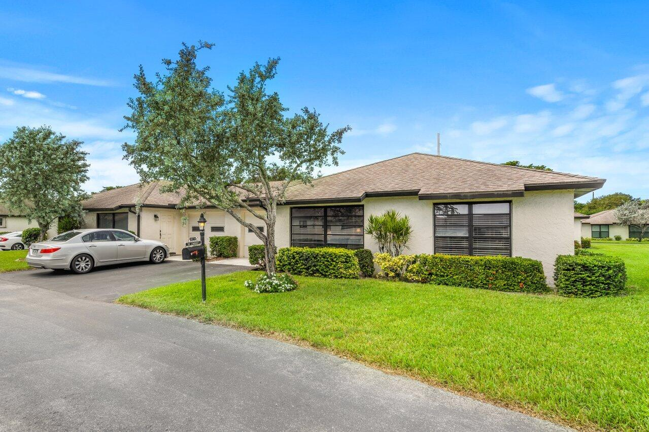 4877  Dovewood Road B For Sale 10744900, FL