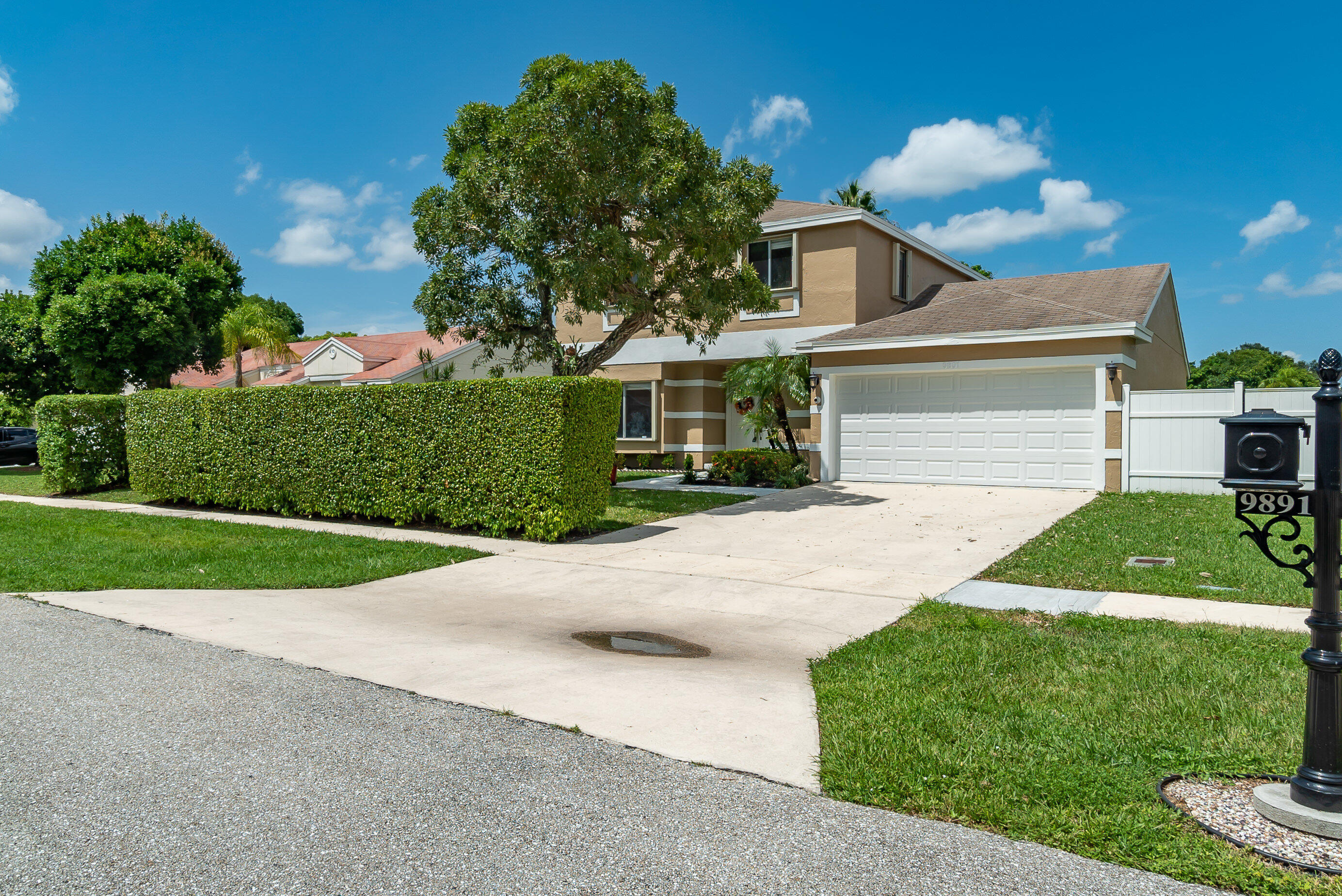 9891  Robins Nest Road  For Sale 10744895, FL