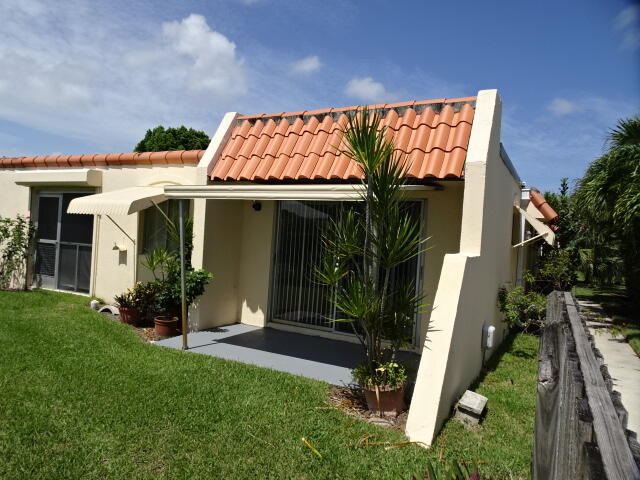 Delightful corner condo in desirable 55+ community in the heart of Palm Beach Gardens. New kitchen cabinets & counter tops. New stove & new dishwasher. New bathroom vanities & sinks  in bathrooms, New carpeting in bedrooms. Big walk-in closet in master.  Ideal location. No pets.
