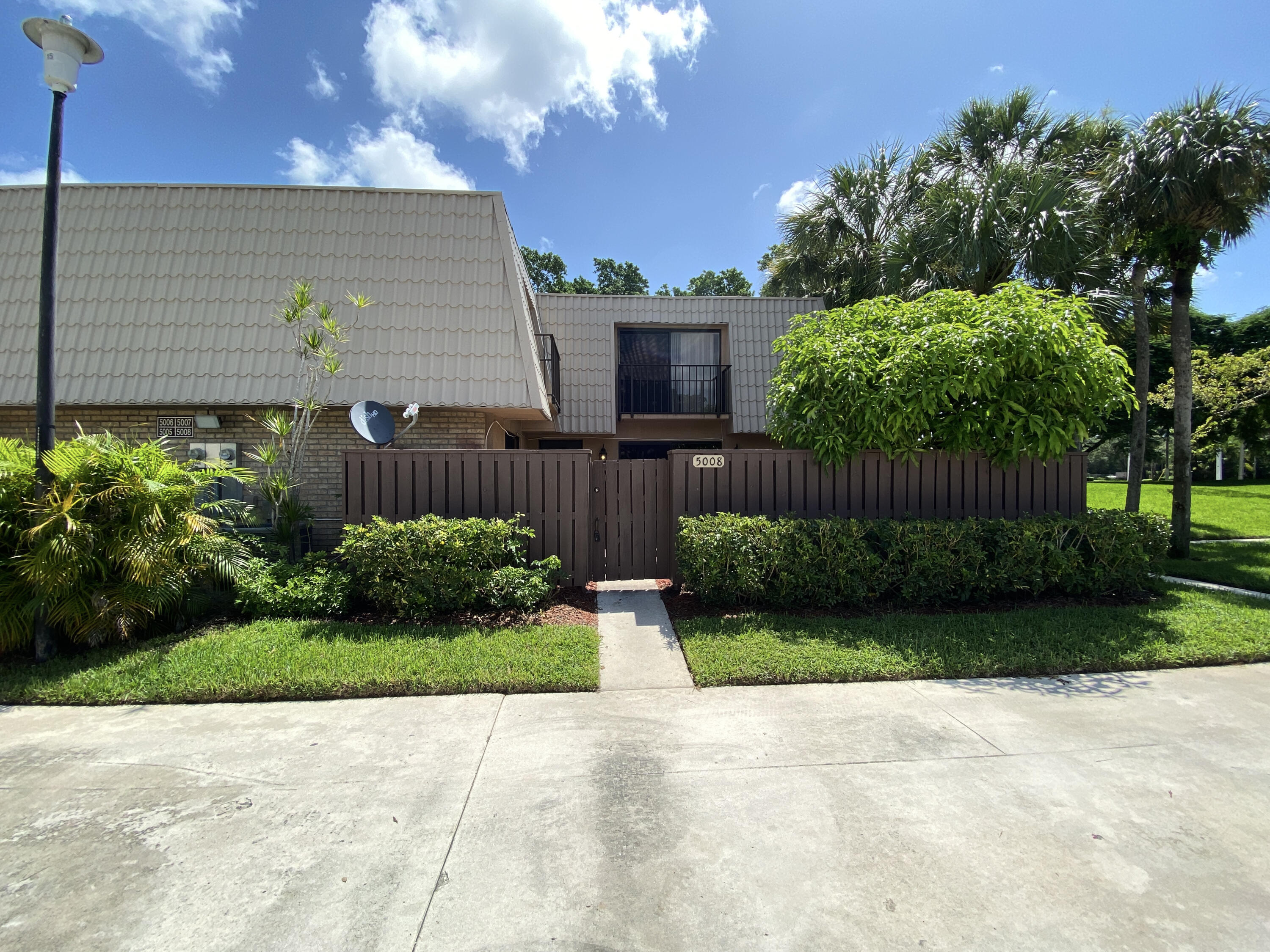 5008  50th Way  For Sale 10743966, FL