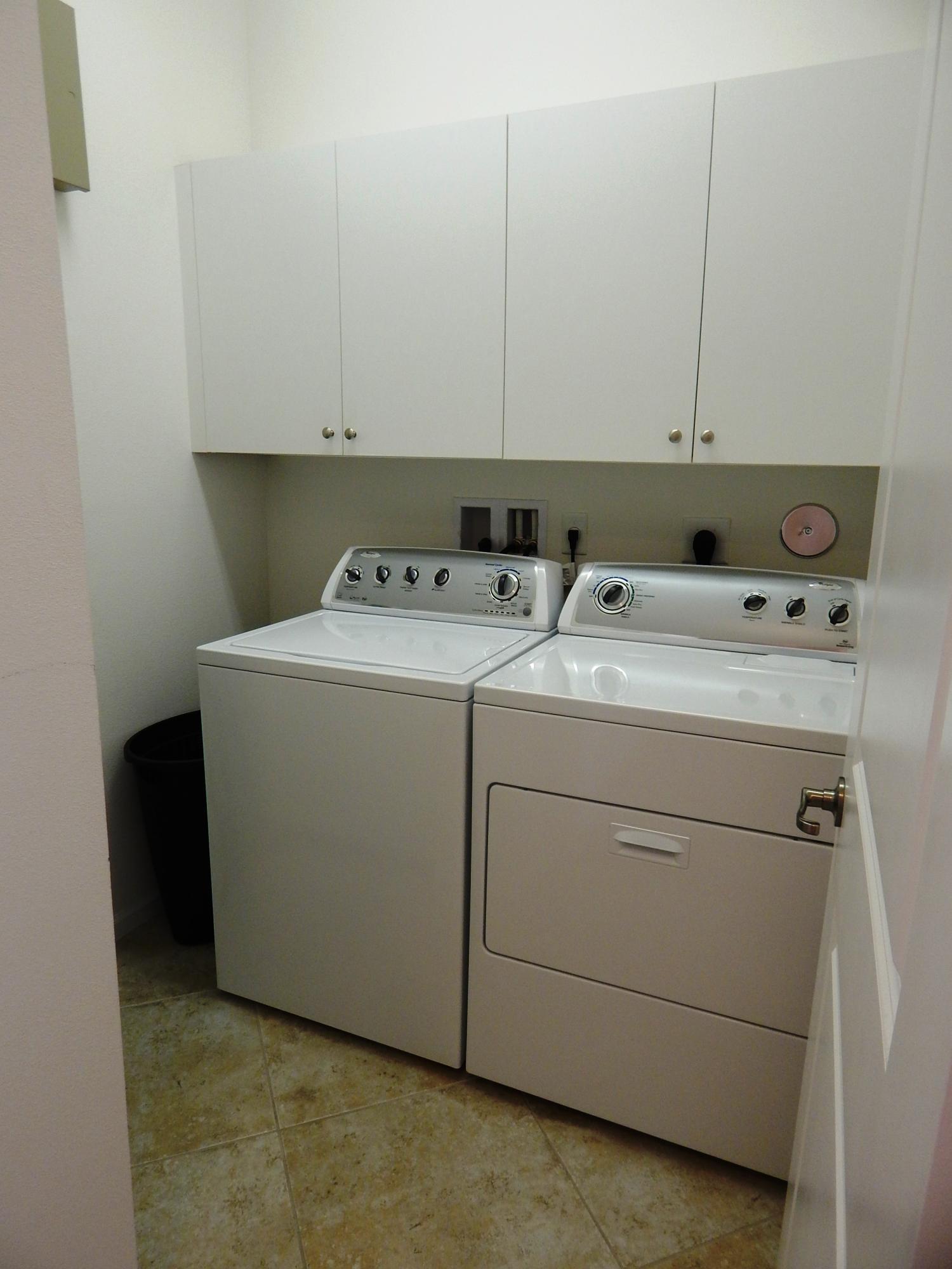 023 Laundry washer dryer
