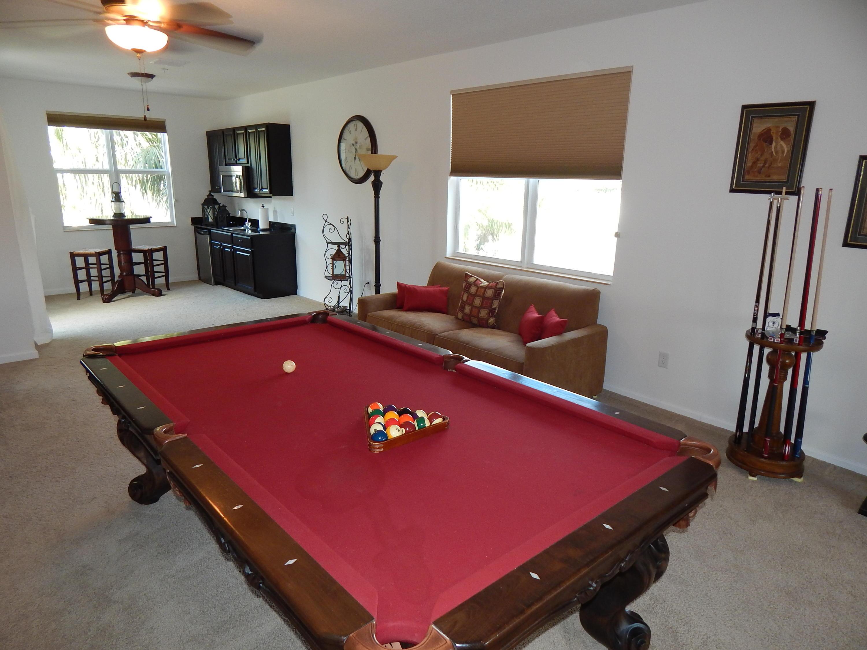 1505 pool table n kitchenette not bar