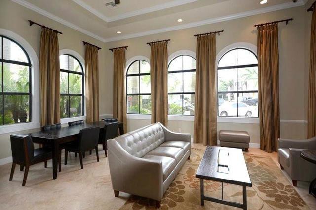 Centra Club Room